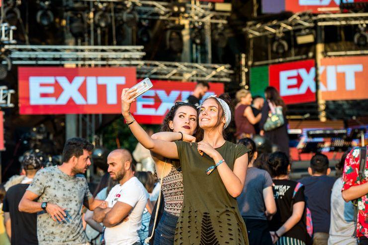 Počelo je, prvi selfi  Foto: Dnevnik.rs/J. Ivanović