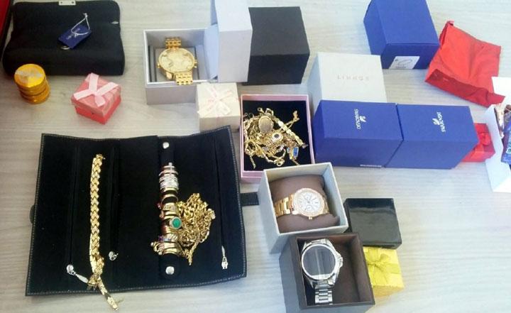 Satovi i zlato sa carine/Fonet