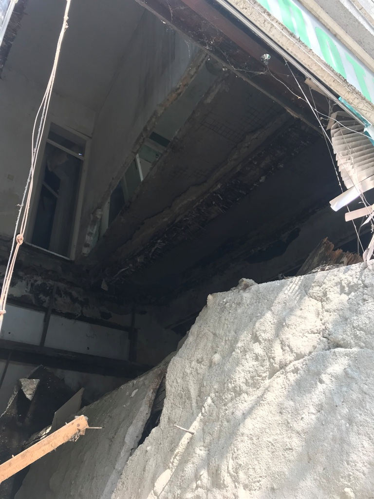 Обрушио се унутрашњи зид зграде у Јеврејској 40