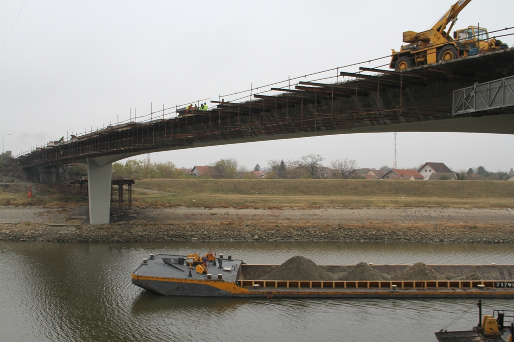 Most Sentandrejski