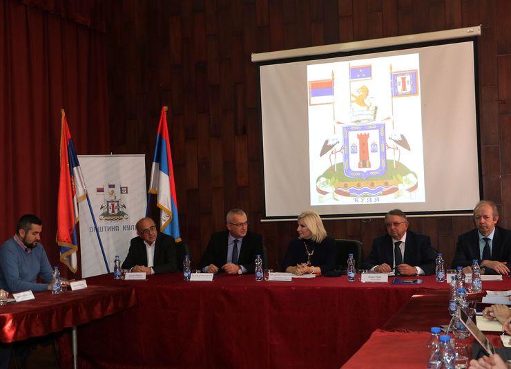 Zorana Mihajlovic  razgovarala sa Veliborom Milojičićem i rukovodstvom Kule Foto Tanjug/J. Pap