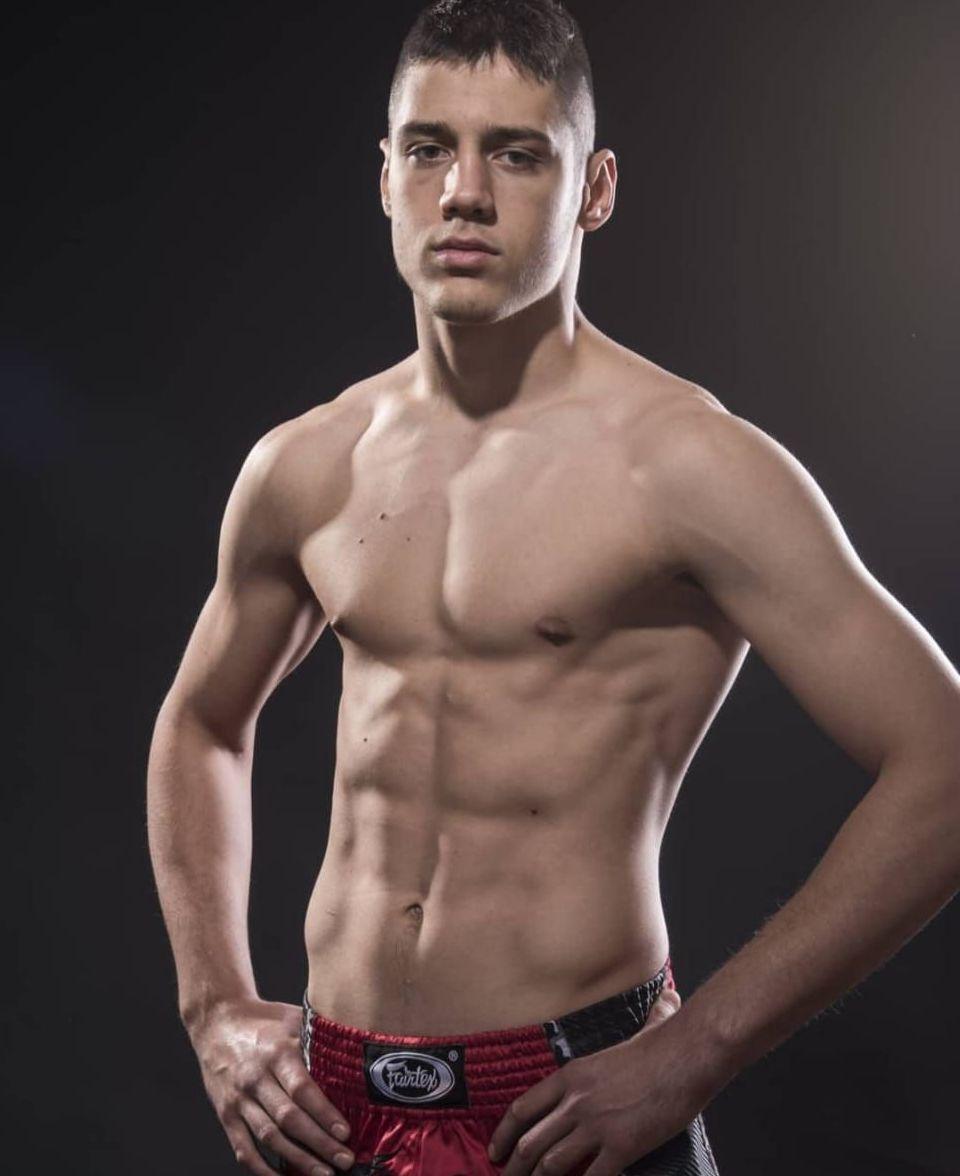 Zlatni kik-bokseri-Nikola Todorovic