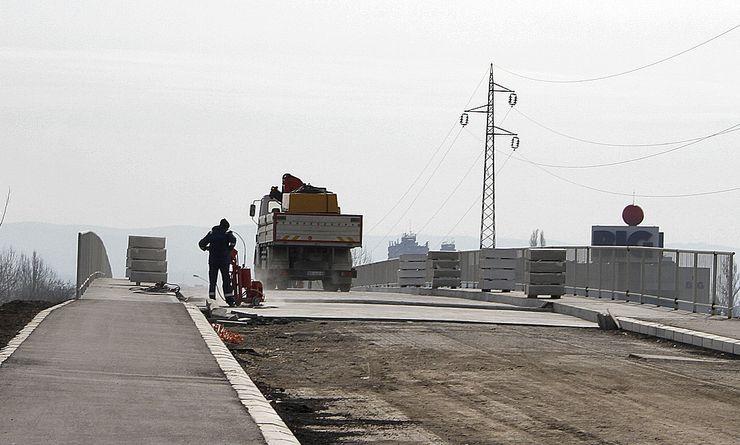 Radovi na mostu Foto: F. Bakić