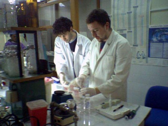 studenti laboratorija