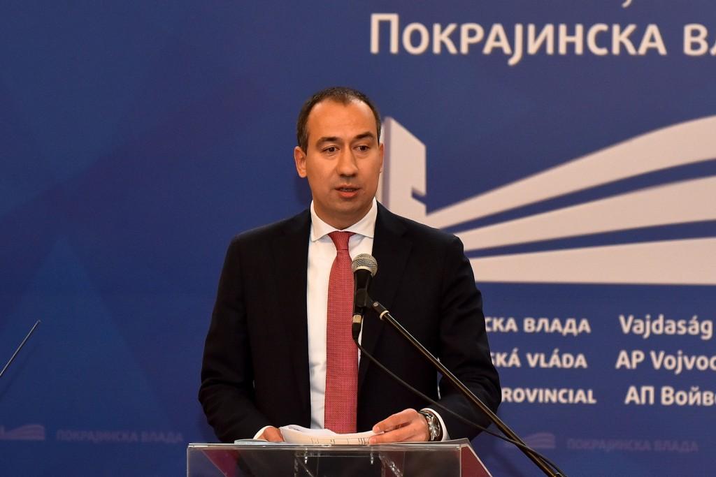 Radojevic Dodela ugovora za unapređivanje i korišćenje poljoprivrednog zemljišta (1)