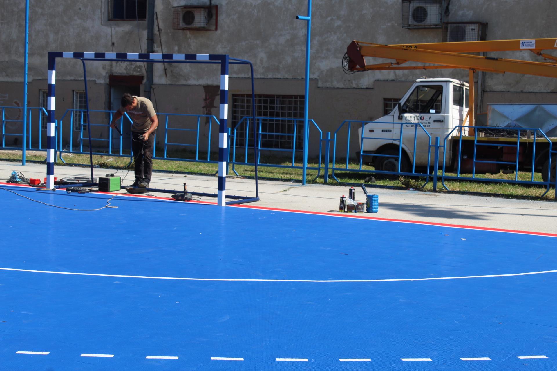 Umesto takmičenja u malom fudbalu, na terenu su majstori