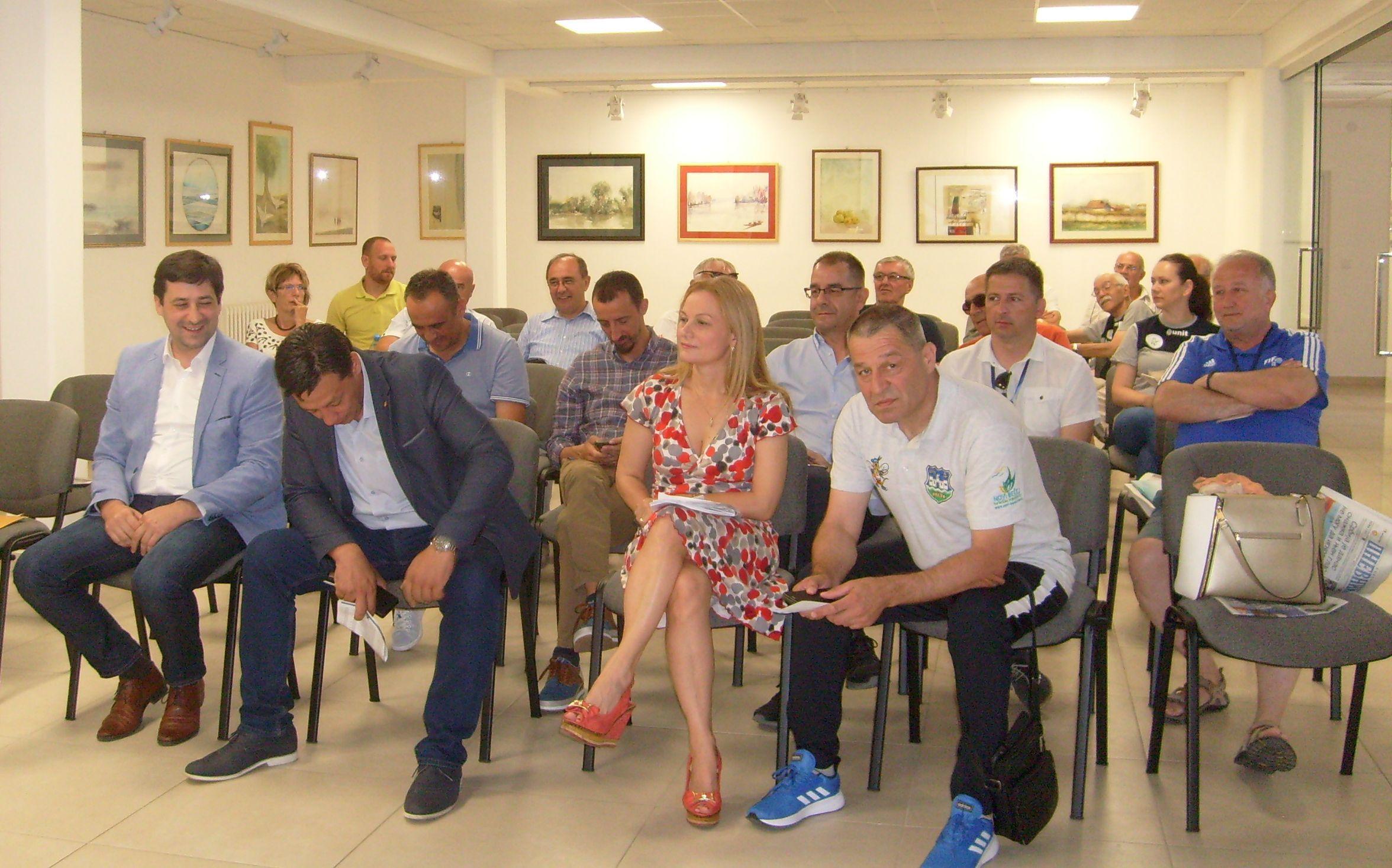 Clanovi Olimpijskog komiteta u sali