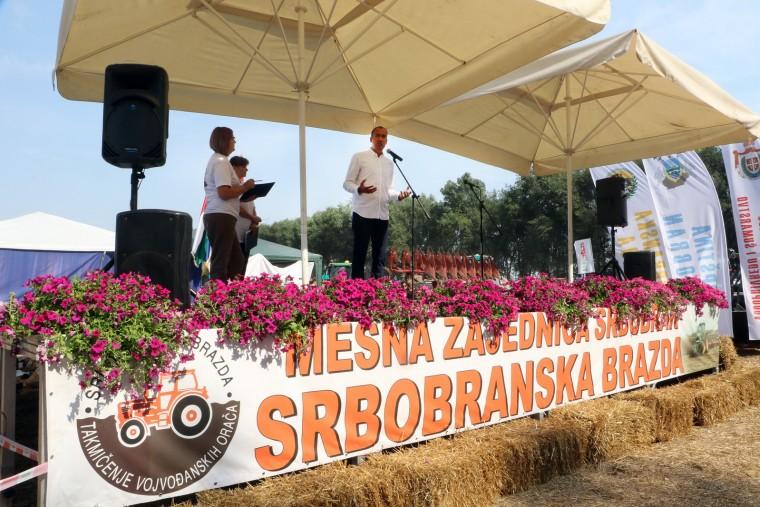"Vuk Radojević otvorio jubilarnu 20. manifestaciju ""Srbobranska brazda"" Foto: Pokrajinska vlada"