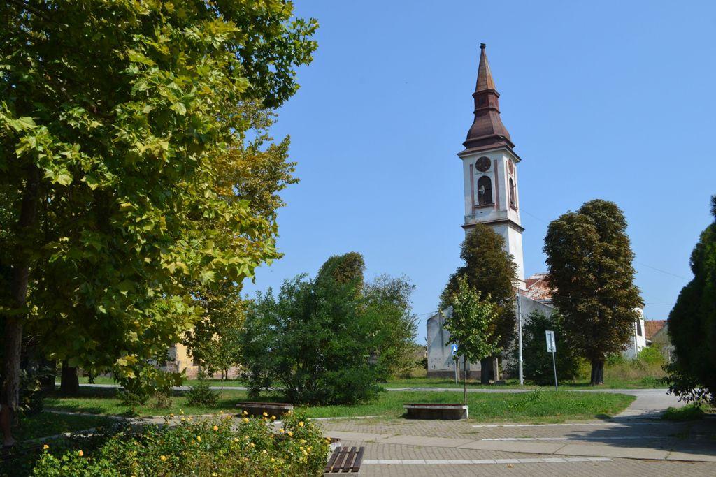 mladenovo crkva1