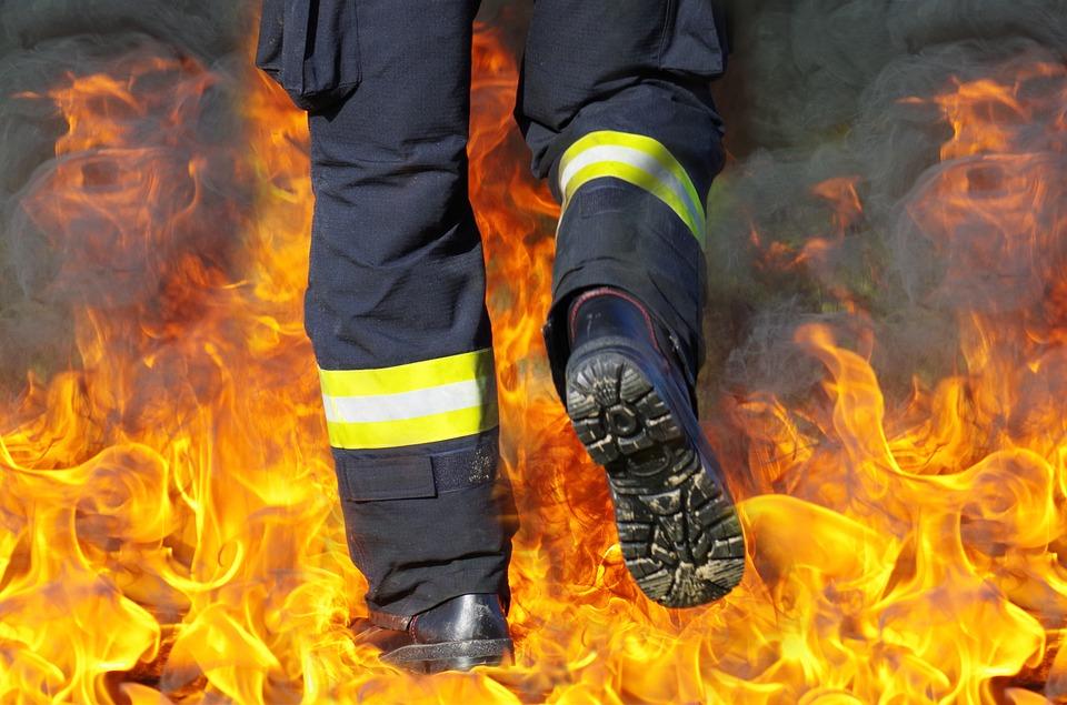 Пожар у згради у Нишу, нема повређених