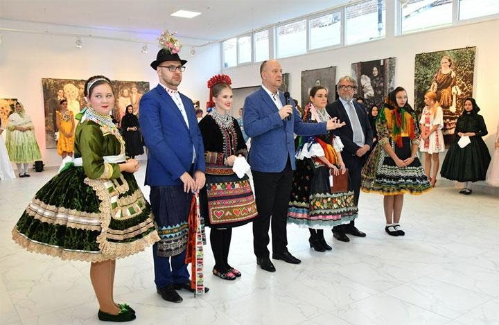Otvaranje galerije u Kulturnom centru u Kisaču/Skupština Grada Novog Sada