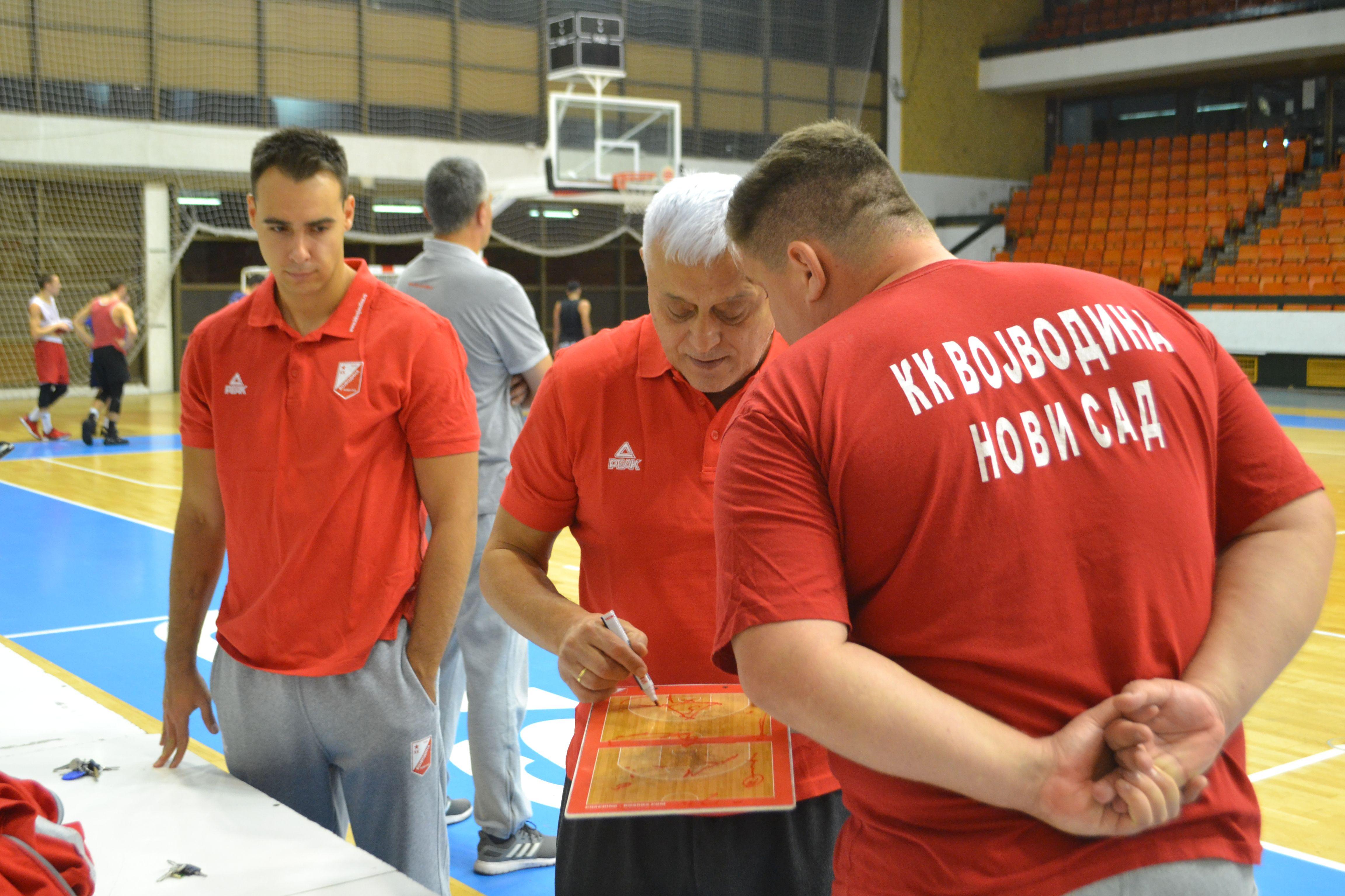 KK Vojvodina trener Nikolic 8
