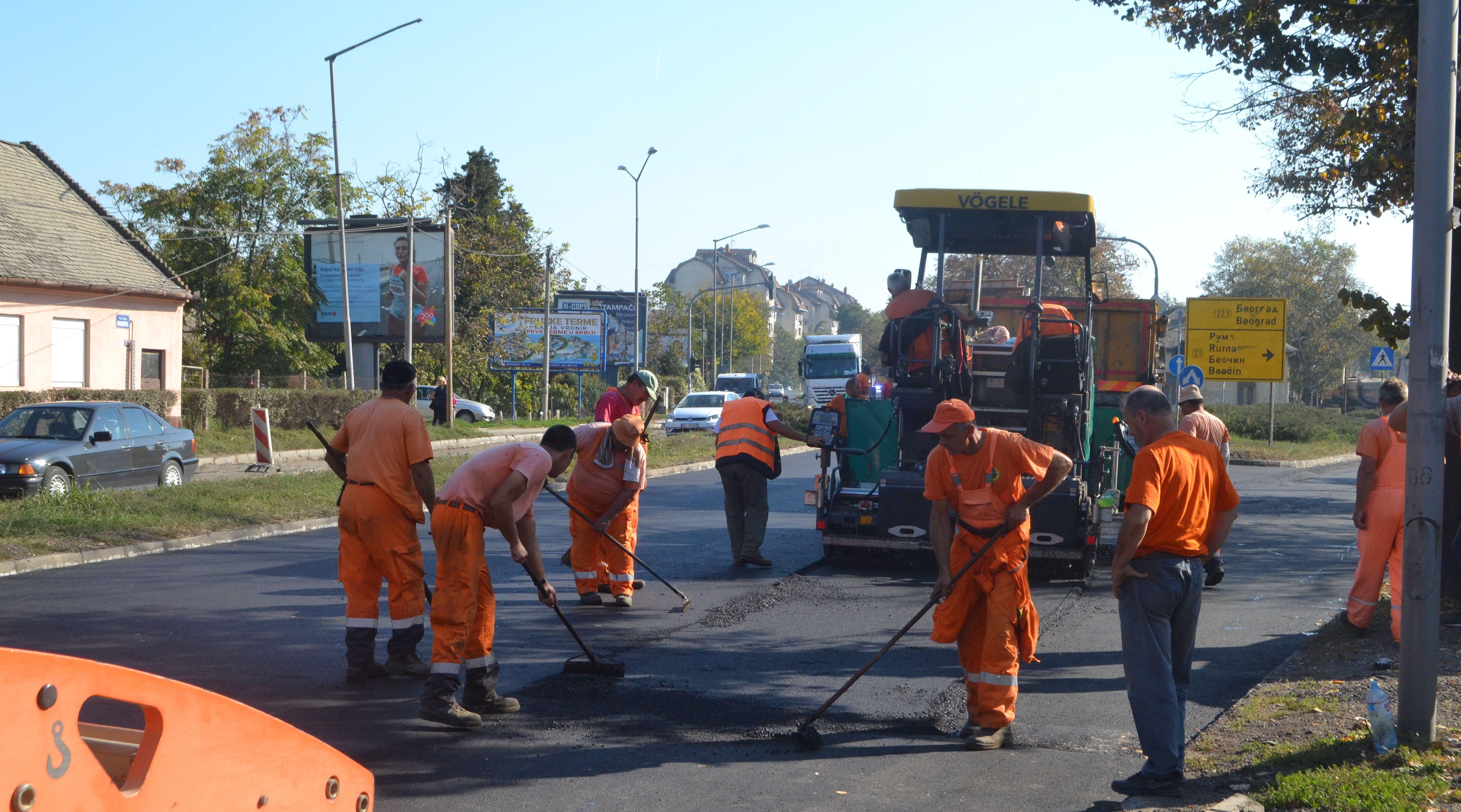Petrovaradin asfaltiranje 4