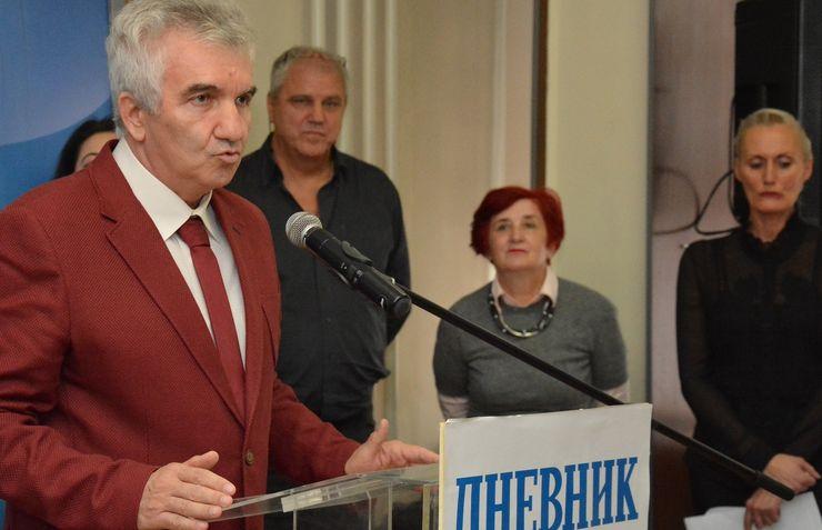 """Direktor """"Dnevnik Vojvodina presa"""" Dušan Vlaović obratio se za rođendan """"Dnevnika"""" po 20. Put Foto: V. Fifa"""