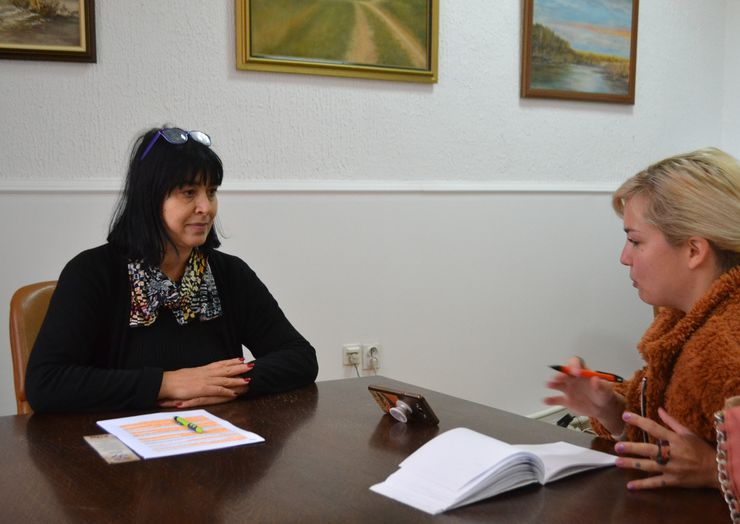 Sekretar MZ Ratkovo Svetlana Šulović u razgovoru sa našom novinarkom   Foto: Slobodan Šušnjević