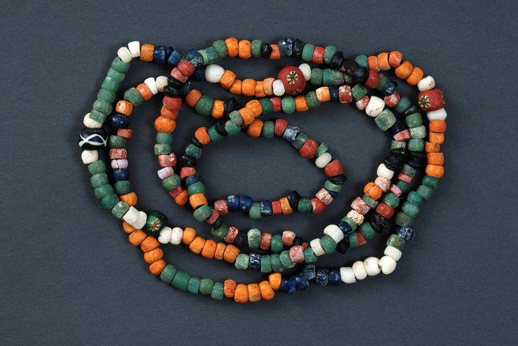Sarmatske perle od stakla – 4. Vek Foto: Muzej Vojvodine u Novom Sadu