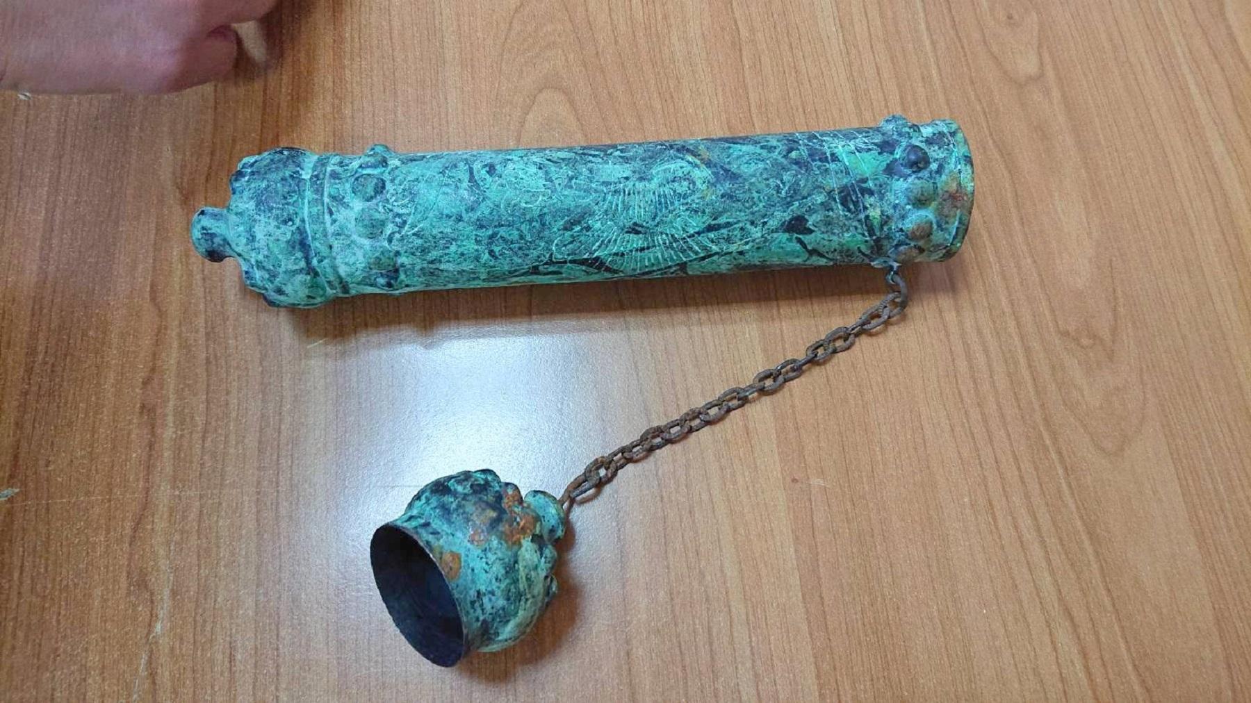 Cilindrična bakarna futrola za svitak