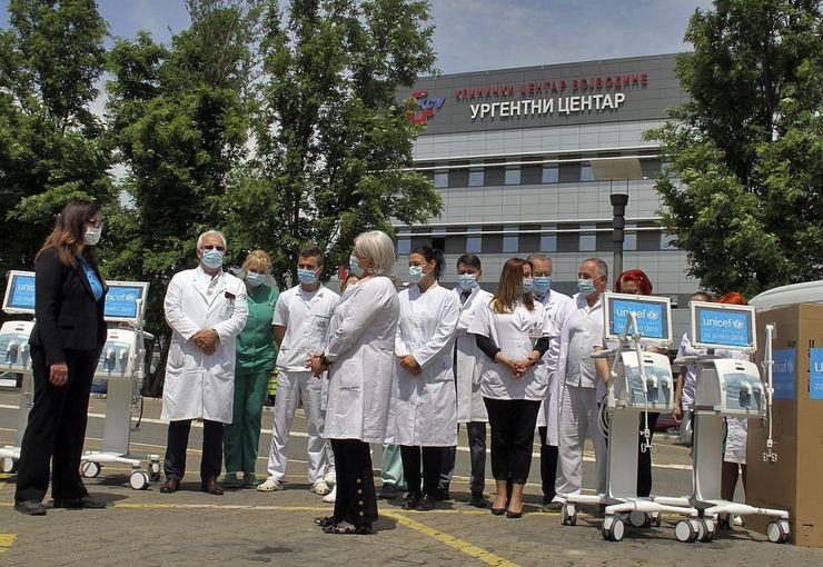 Četiri respiratora Unicefova donacija Kliničkom centru VojvodineFoto: F. Bakić