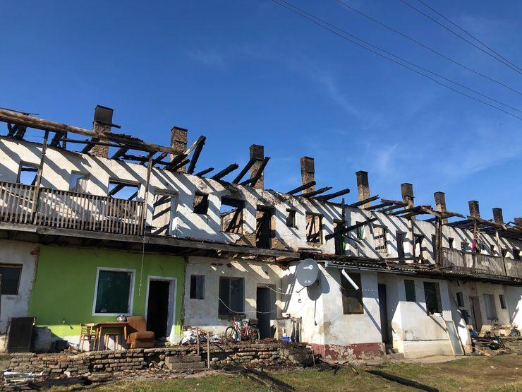 Posle požara u naselju Ekonomija 1 u Baču foto: K. Ivković Ivandekić