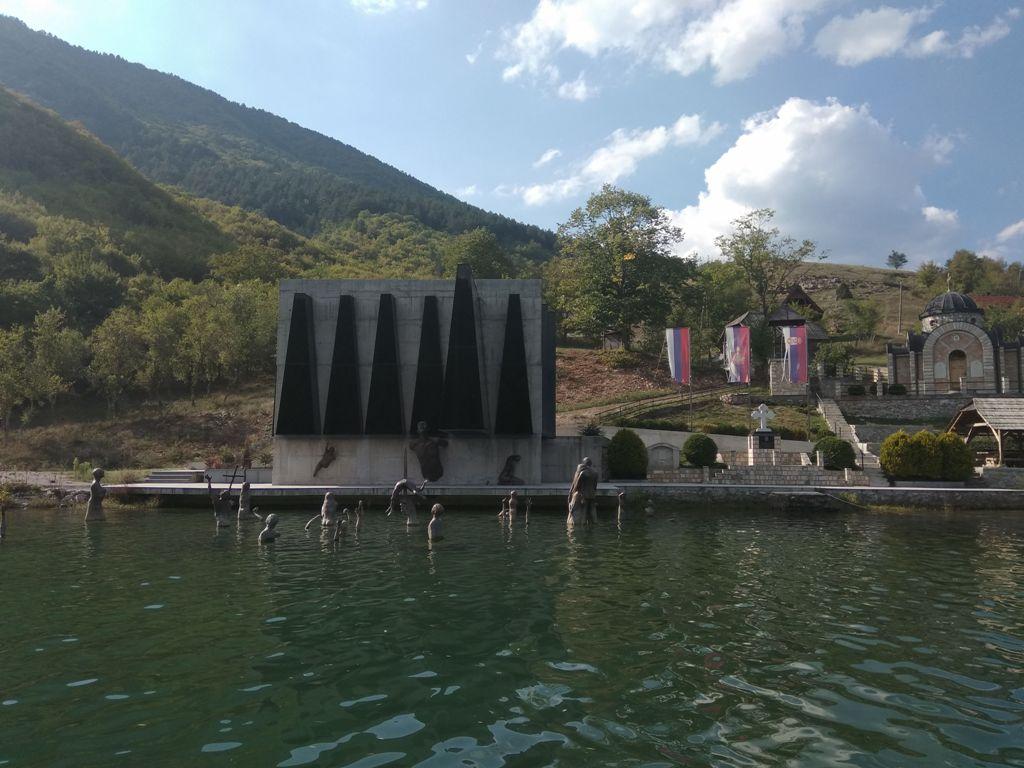 28-3 Spomen kompleks Stari Brod na Drini 1 Foto M Jablanov