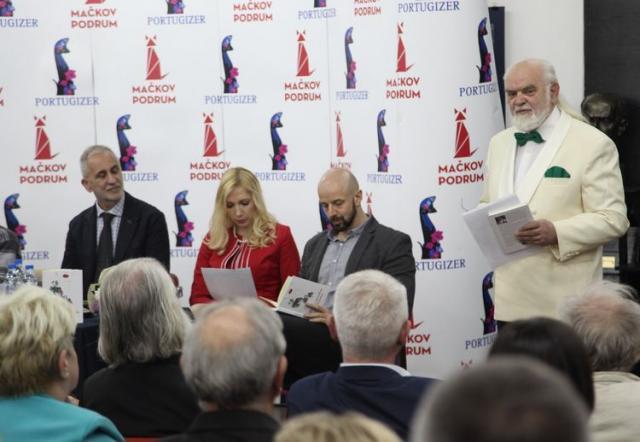 Сава Јојић на промоцији књиге у Српској читаоници у Иригу