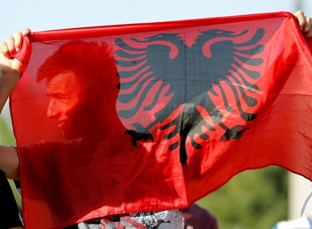 albanska zastava, epa, armando babani