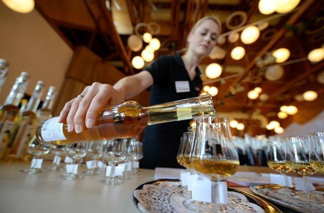 alkohol EPA/PATRICK SEEGER