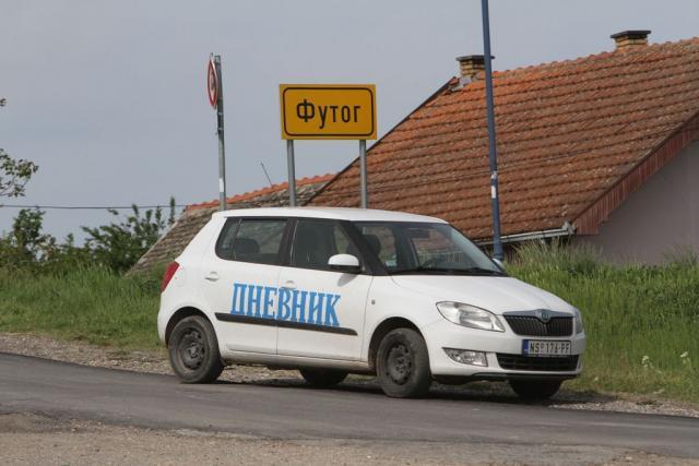 Futog - tabla i Dnevnikov auto SUS