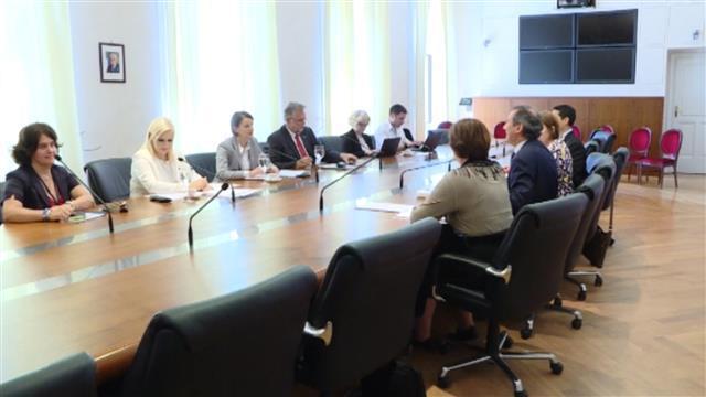 Ana Brnabić sa predstavnicima EIB Foto: Tanjug