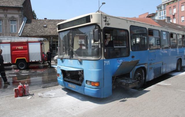 AutobusGRASaZapaljen-BLU