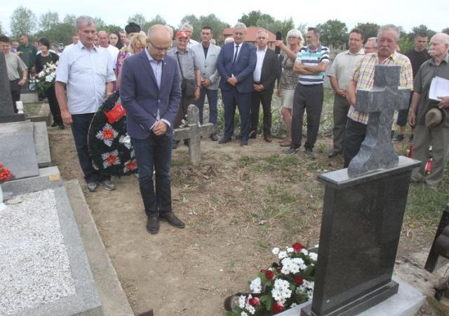 Miloš Vučević na pomenu Koviljčanima koji su sprečili raciju 1942. godinefoto: Dnevnik.rs
