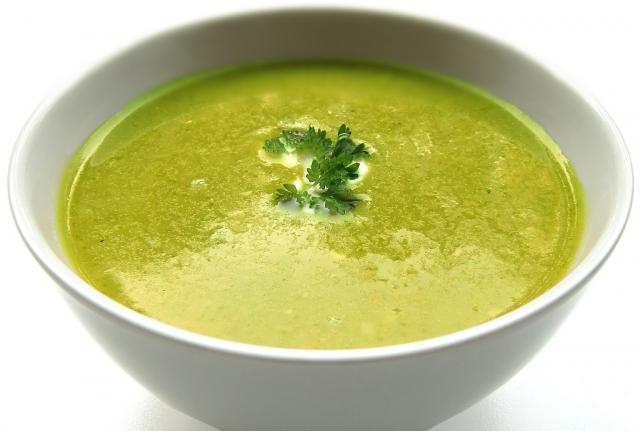 brokoli supa pexels.com