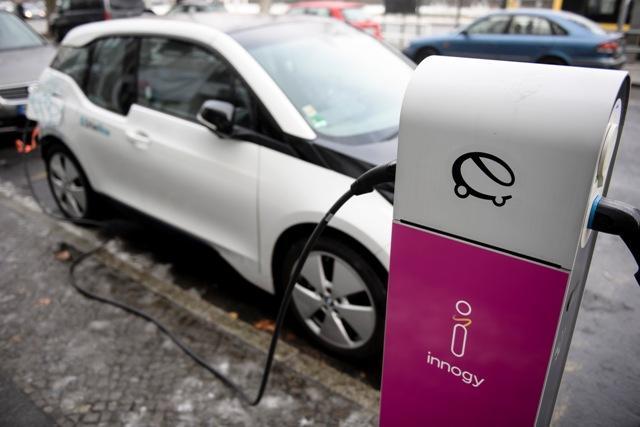 elektricni auto.jpg