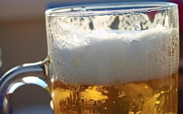 pivo krigla, pixabay.com