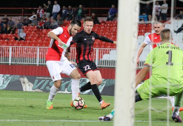 Nemanja Subotić postiže jedini pogodak  na utakmici u Novom Sadu Foto: J. Grlić