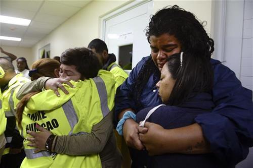 Portoriko, evakuacija ljudi zbog oštećenja brane Foto: AP Photo/Carlos Giusti