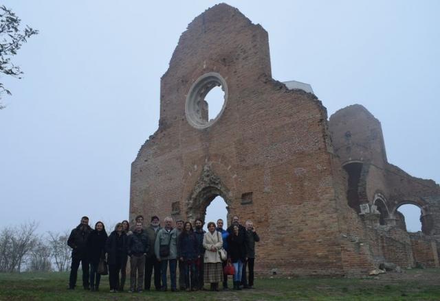 Arheolozi iz cele Srbije obišli srednjovekovnu Araču kod Novog Bečeja Foto: Dnevnik.rs