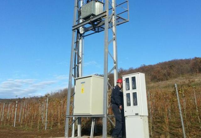 Prva trafostanica za elektrifikaciju polja u južnom delu Fruške gore  Foto: sirmiuminfo