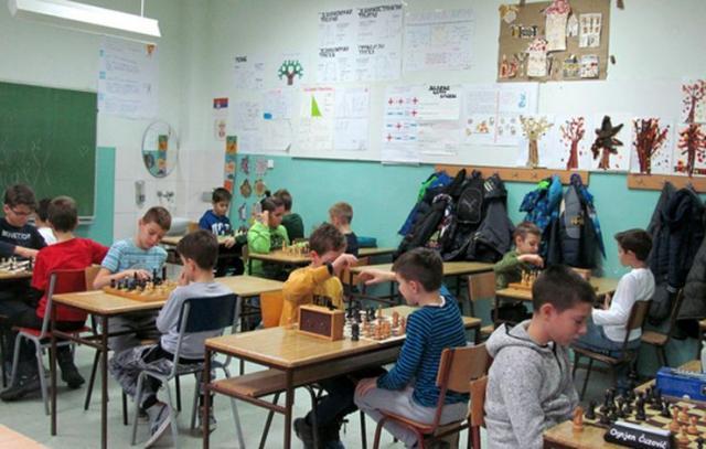 Najmasovnija grupa dečaka, učenici  2-4. Razreda Foto: Dnevnik.rs