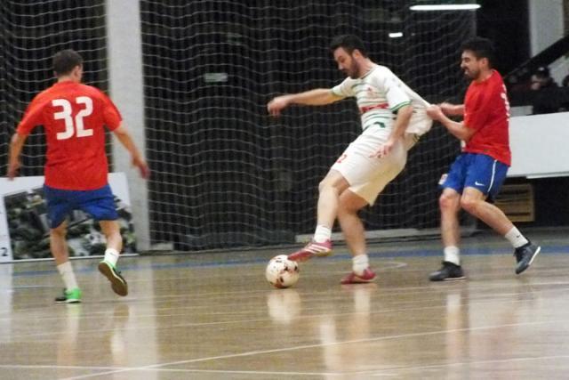 Milan Čićić (beli dres) odlučio dvoboj između Maks beta i Lampone Meridiana