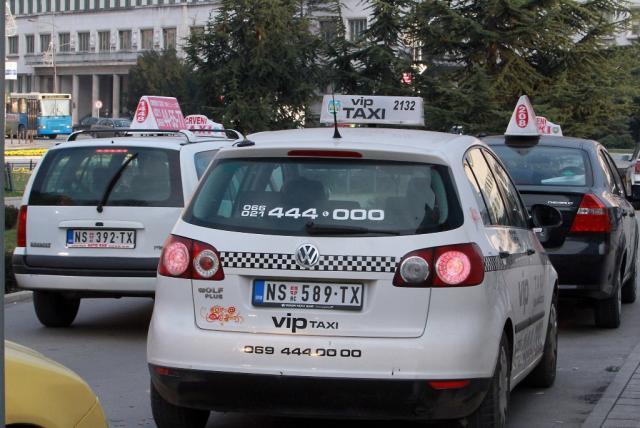 TaksistiBLU-01