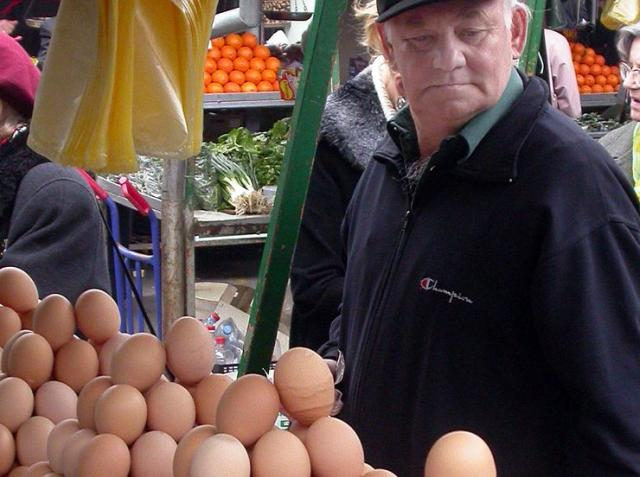 Prodaja jaja na pijaci Foto: Dnevnik.rs/arhiva