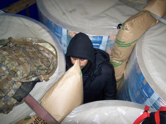 Migranti u tovaru brik ambalaze