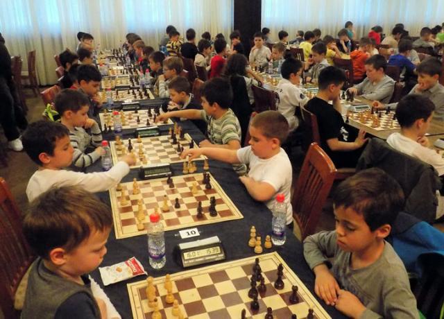 Mladi šahisti na 12. Kadetskom festivalu Šahovskog saveza Srbije