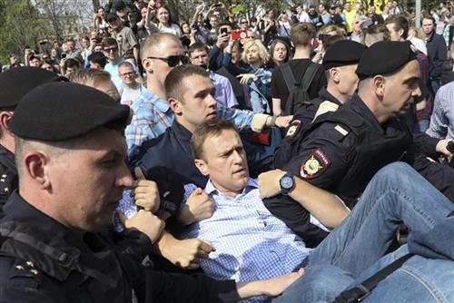 Hapšenje demonstranata u Moskvi,  Navaljni Foto: Tanjug