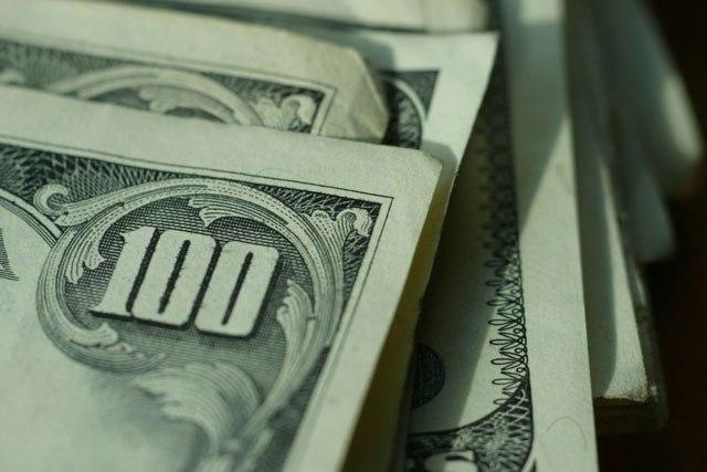 dolari novac