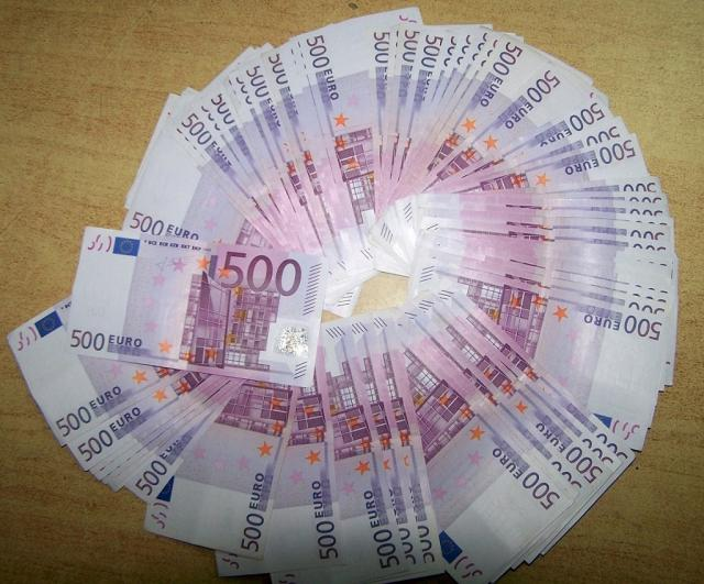 Zaplenjeni evri na Gradini Foto: Uprava carina