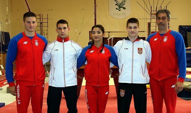 Bojan Dejanovic,Stefan Veselinovic,Tamara Mrdjenovic,Vlada Rakovic i Aleksandar Pandurov