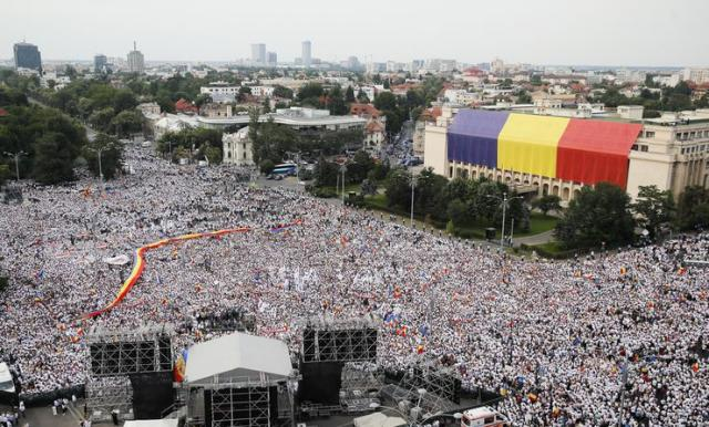 Protest u Bukureštu Foto: AP Photo/Vadim Ghirda