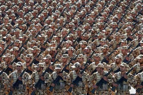 Vojska Irana na paradi/Fonet